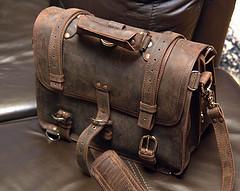 Leather bag by Samikki